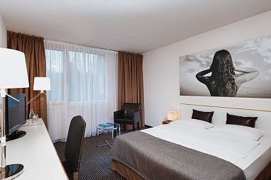 TRYP by Wyndham Wuppertal: Room