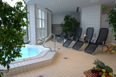 Atlanta Hotel International Leipzig: Piscina