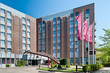 Mercure Hotel Hamburg am Volkspark: Exterior View