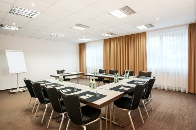 NH München Messe: Meeting Room