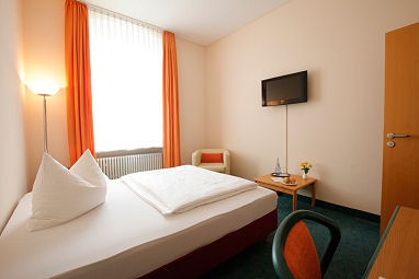 HOTEL ST. MICHAEL: Room