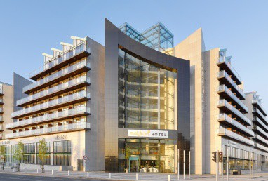 Maldron Hotel Dublin - Tallaght : Exterior View