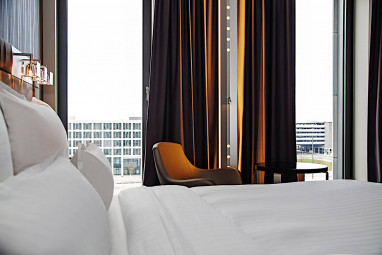 Steigenberger Airport Hotel Berlin: Room